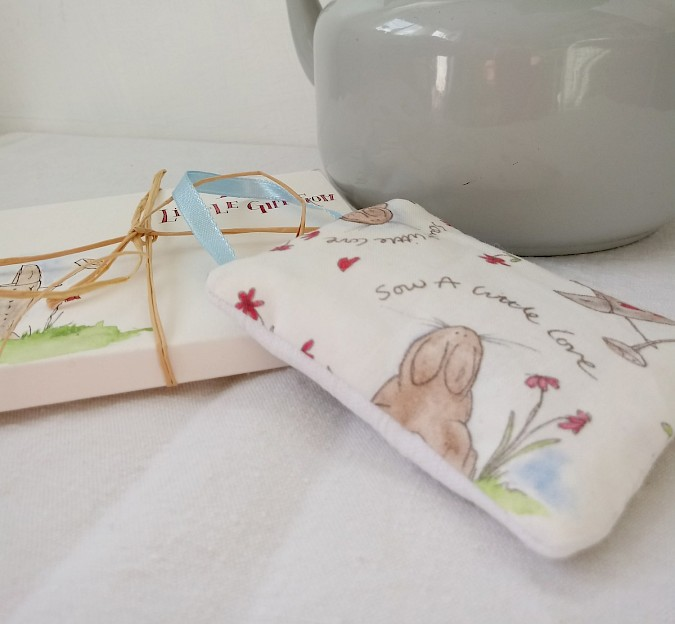 'Love To Garden' Fabric Hanging With Personalised Gift Envelope Photo 0